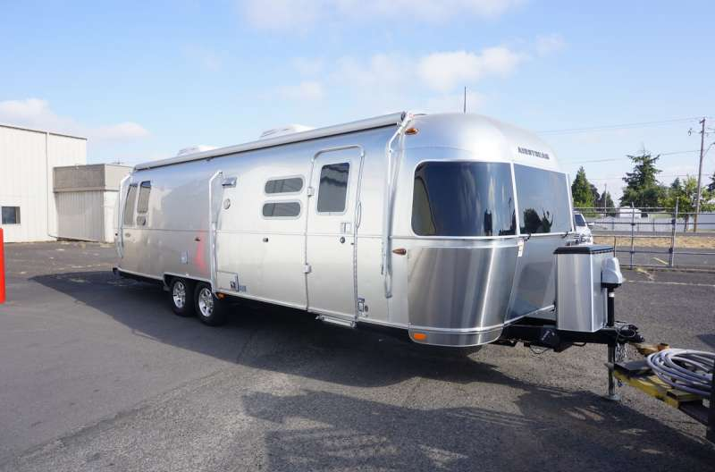 Exterior photo of 2018 AIRSTREAM FLYING CLOUD