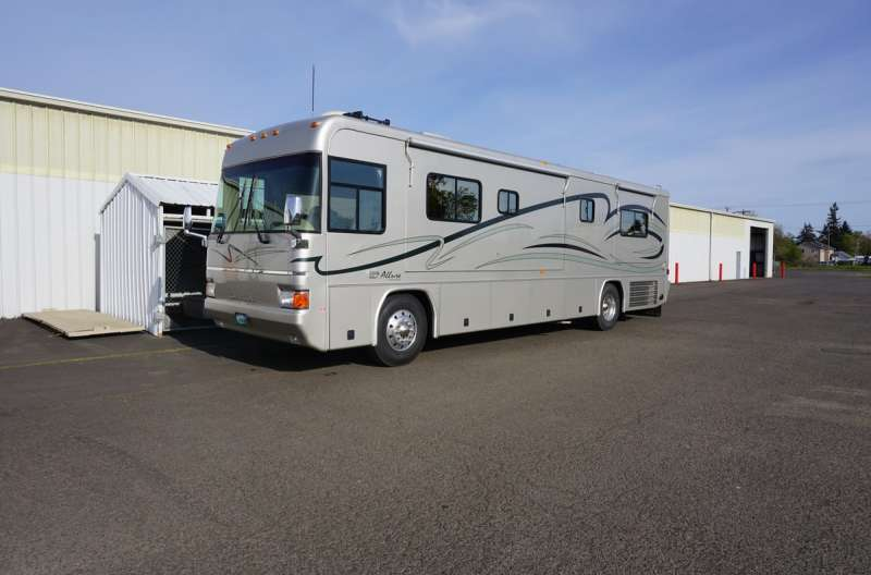 Exterior photo of 2002 ALLURE SUNRIVER 36'