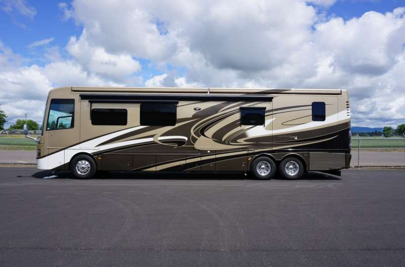 Exterior photo of 2015 NEWMAR MOUNTAIN AIRE
