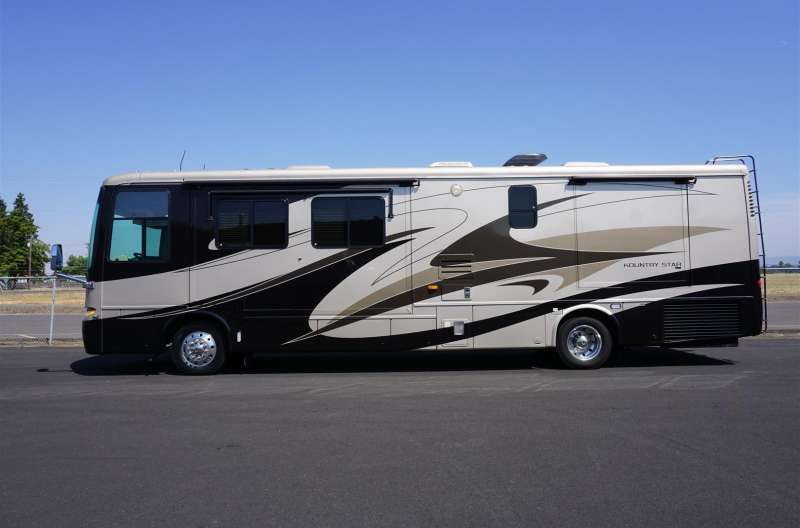Exterior photo of 2008 NEWMAR KOUNTRY STAR