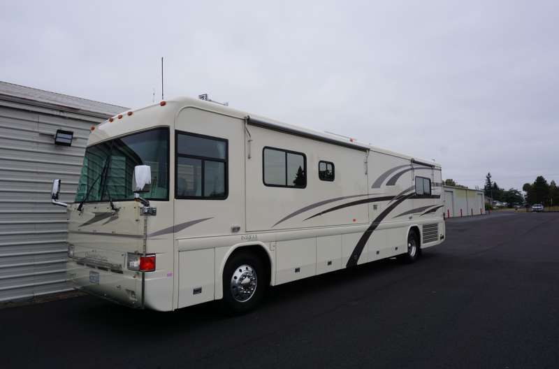 Exterior photo of 2002 INTRIGUE SUITE 40'