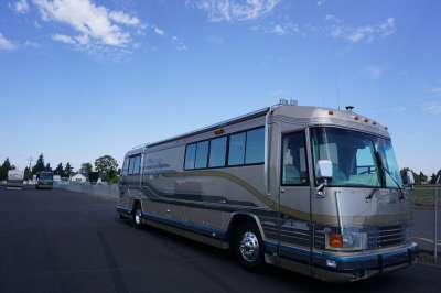 Addtional photo of 1992 COUNTRY COACH CONCEPT 40'