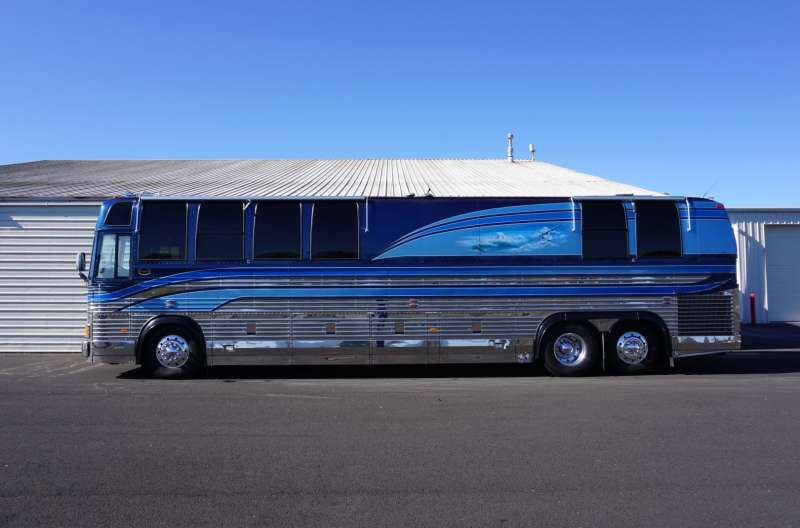 Exterior photo of 1994 PREVOST MARATHON 40'