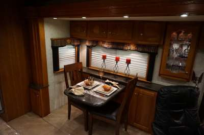 Addtional photo of 2006 INTRIGUE ELATION 40'