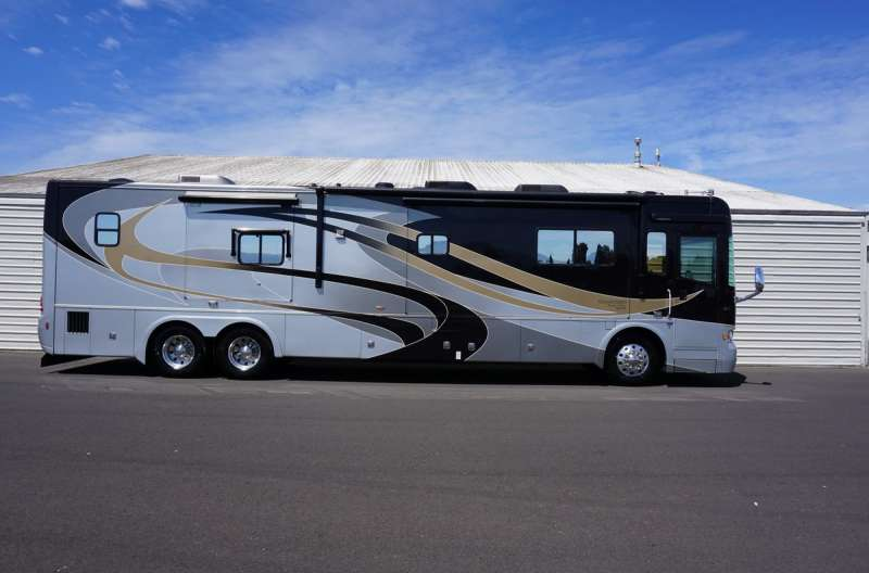 Exterior photo of 2010 ALLURE FE 42'