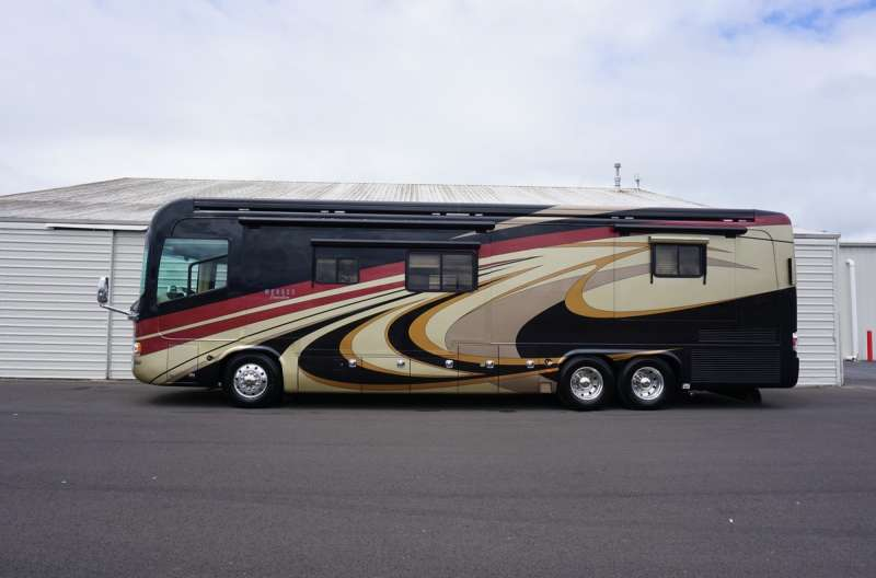 Exterior photo of 2009 MONACO EXECUTIVE 40'