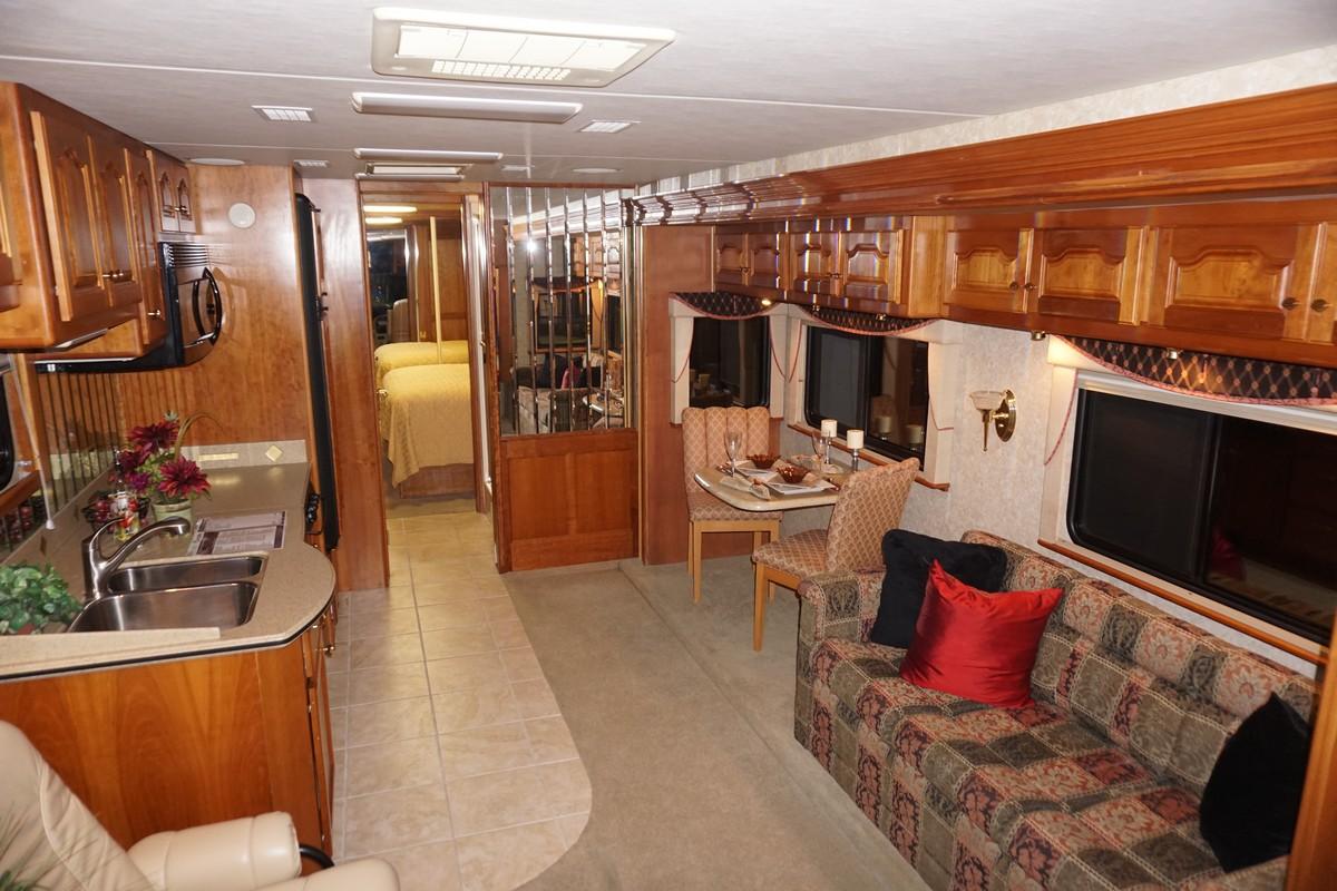 Interior photo of 2005 ALLURE ALDER LAKE 34'