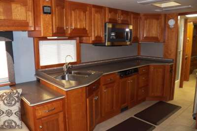 Addtional photo of 2004 ALLURE CASCADE 40'