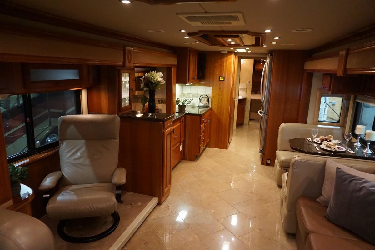 Interior photo of 2007 FORETRAVEL NIMBUS 340