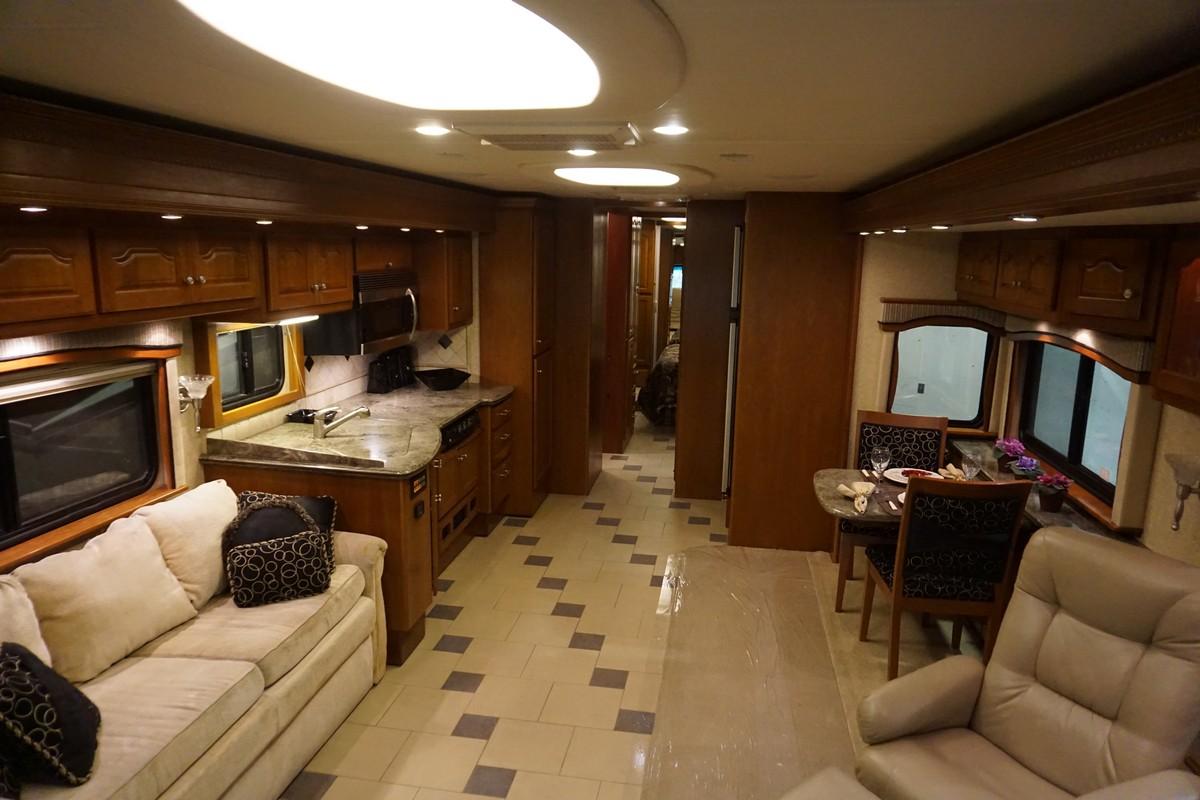 Interior photo of 2007 ALLURE MCKENZIE BRIDGE 40'