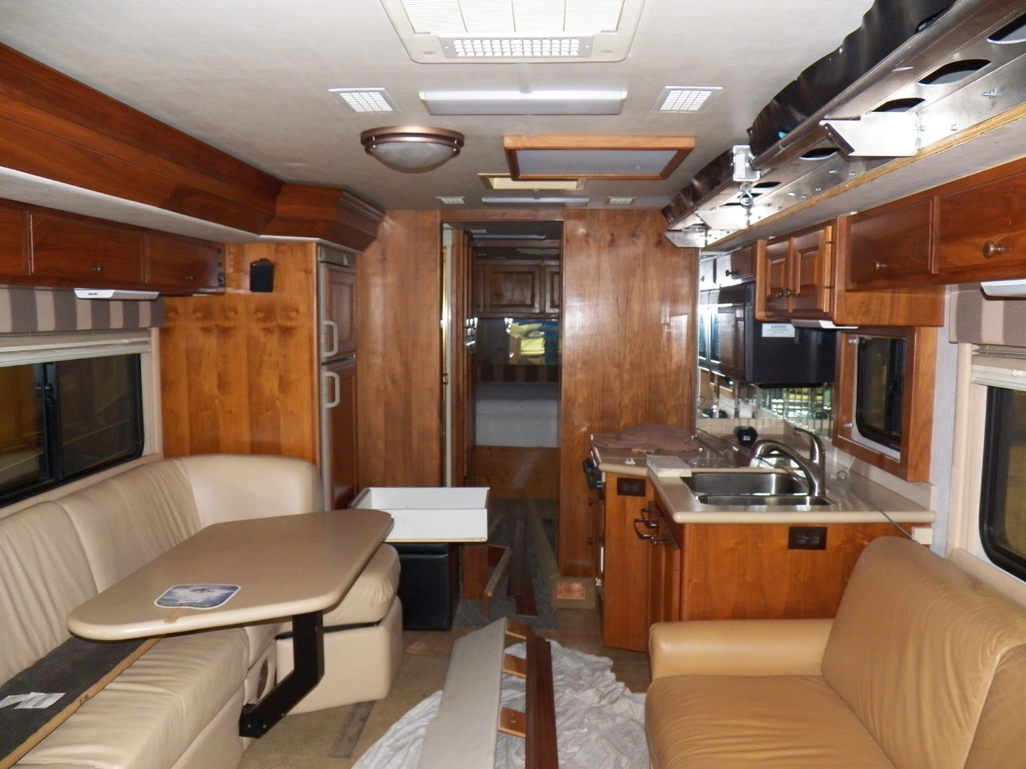 Interior photo of 2002 ALLURE SPRINGS PORT 32'