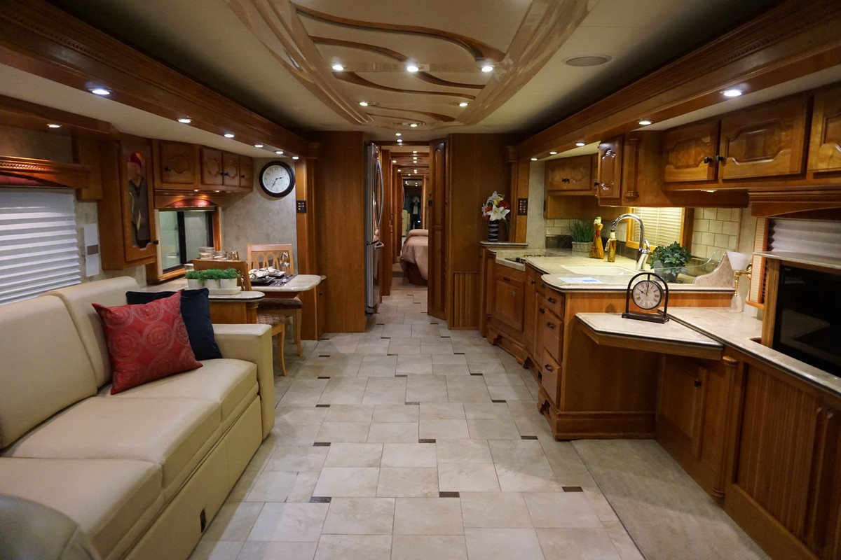 Interior photo of 2007 INTRIGUE JUBILEE 45'
