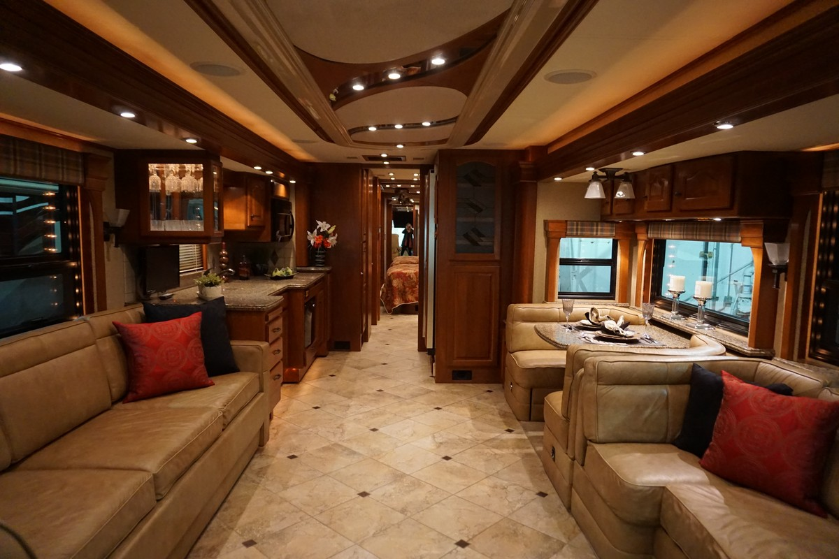 Interior photo of 2007 AFFINITY STAGS LEAP 45'