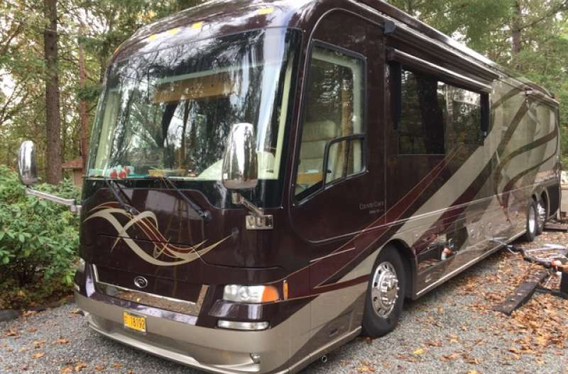 Exterior photo of 2008 AFFINITY STAGS LEAP 45'