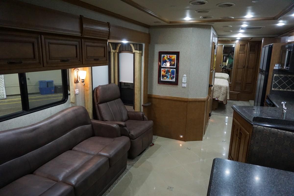 Interior photo of 2013 NEWMAR VENTANA 3434