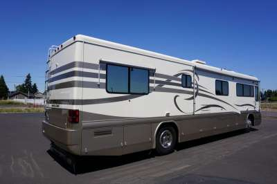 Addtional photo of 1998 INTRIGUE WISTERIA 40'