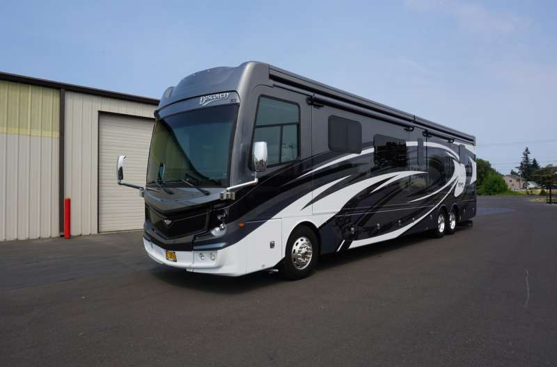Exterior photo of 2020 FLEETWOOD DISCOVERY 44